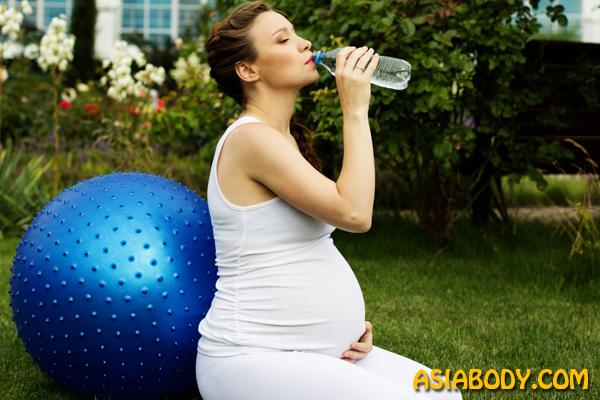 نوشیدن آب قبل ورزش در بارداری